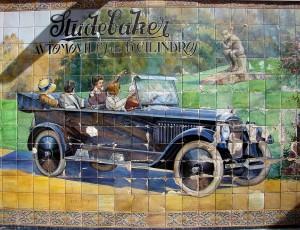 El azulejo del Studebaker, de la Calle Tetuán