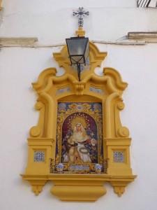El retablo cerámico de la Virgen de la Piedad, de la Hermandad del Baratillo