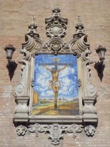 El retablo cerámico del Cristo de la Buena Muerte, en la Iglesia de la Anunciación