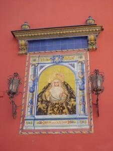 El azulejo de la Soledad de San Lorenzo, en la Calle Eslava