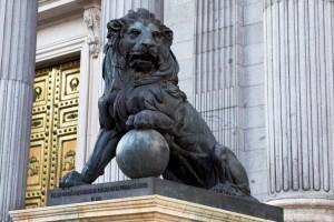 ¿Sabías que los leones del Congreso de los Diputados son…sevillanos?